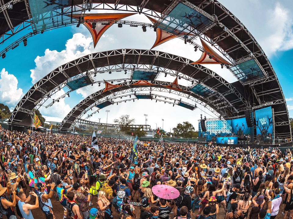 PK SOUND Powers Bass-Heavy Eclipse Stage at Sunset Music Festival 2021
